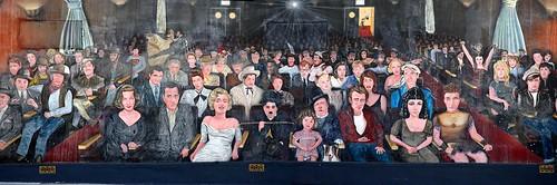 Mural en hollywood con varios actores y actrices cr tica for El mural pelicula