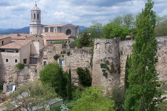 Catedral i muralla romana, Girona  Flickr - Photo Sharing!