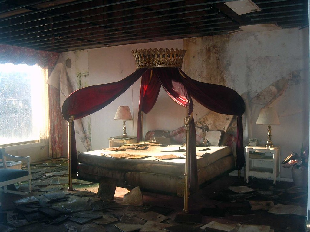 The Honeymoon Suite At Mount Airy Lodge Once A Popular