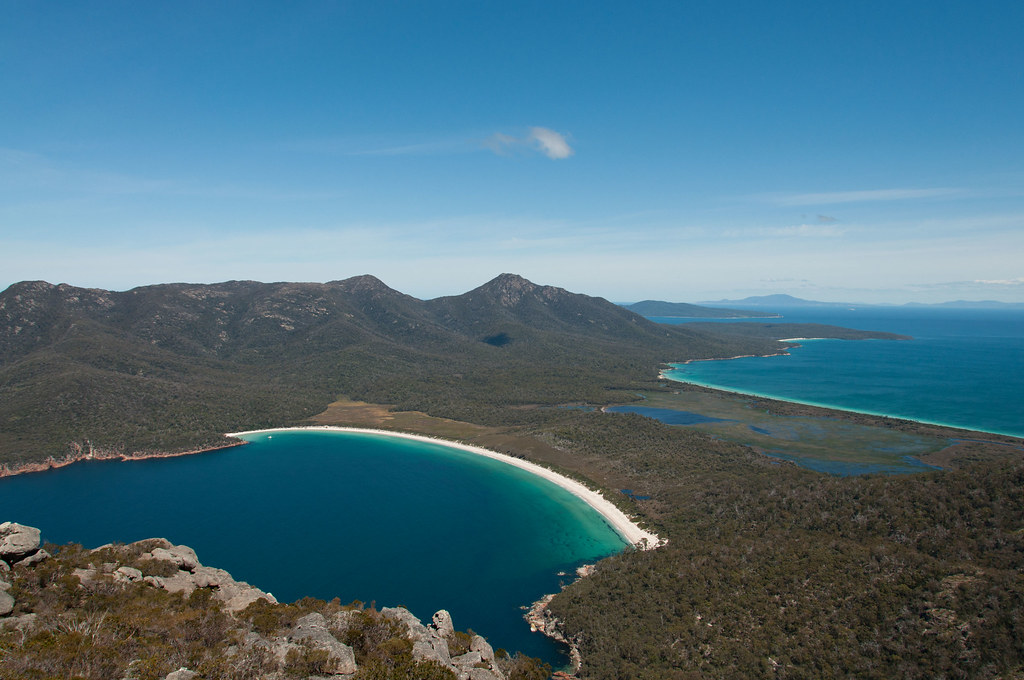 Wineglass Bay, Tasmania | Photo by Manuel Neumann via Flickr