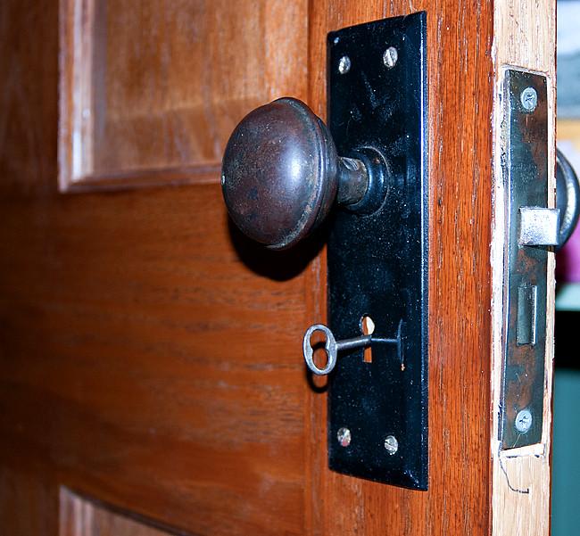 door knob_key