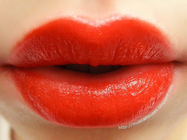 The Face Shop Ink Lipquid Lip Stain RD02 Red Shine Lip Swatch