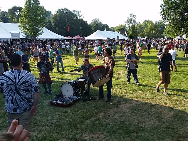 Hippie Drum-Bagpipe Band