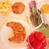 Petit déjeuner de princesse 💁☀️🎊🎉🎈☀️ #anniversaire #vacances #bonheur 💋  Glossy Box tests et avis sur la box by passionthe