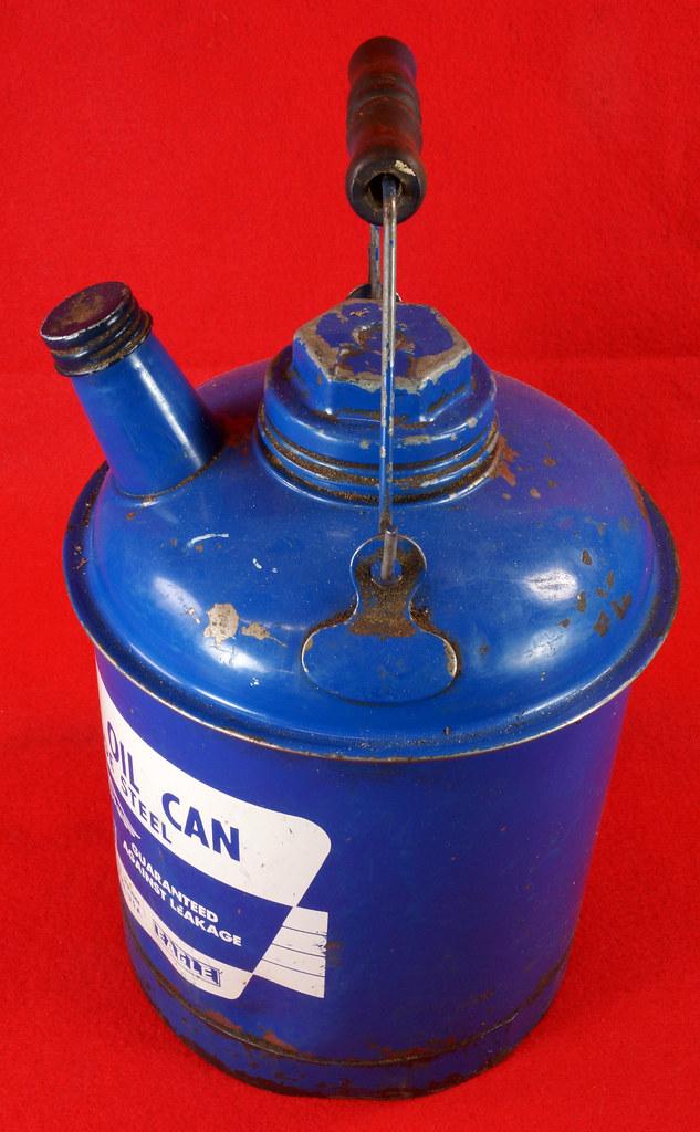 RD7979 Vintage Original Eagle Welded 24 Gauge Steel Blue 1 Gallon Oil Can DSC08047