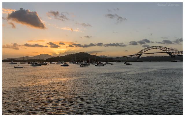 Atardecer en la  marina de Amador, puente de las Americas