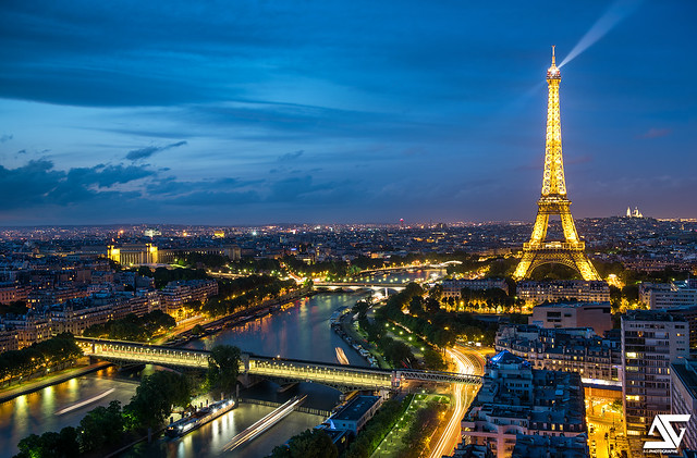 Pont Bir-Hakeim & Tour Eiffel @ Blue Hour