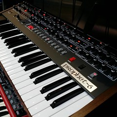 oberheim ob-xa(0.0), nord electro(0.0), yamaha sy77(0.0), synthesizer(1.0), musical keyboard(1.0), electronic musical instrument(1.0), electronic keyboard(1.0), music workstation(1.0), electric piano(1.0), digital piano(1.0), analog synthesizer(1.0), electronic instrument(1.0),