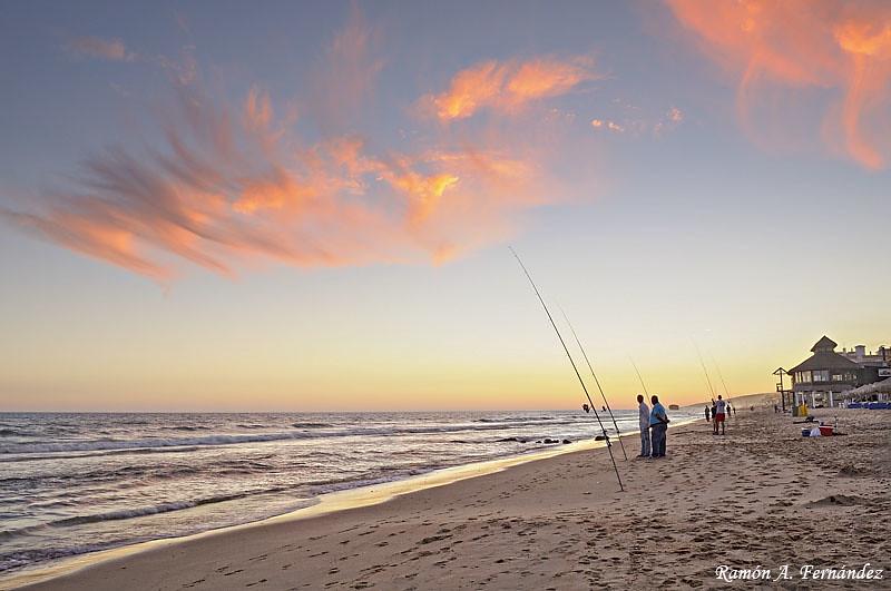 Pescadores al atardecer - Playa de Matalascañas
