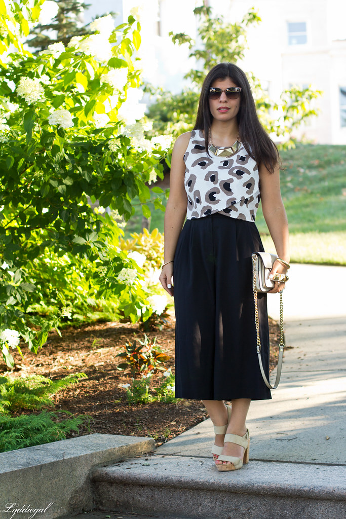black culottes, leopard crop top, platform sandals.jpg