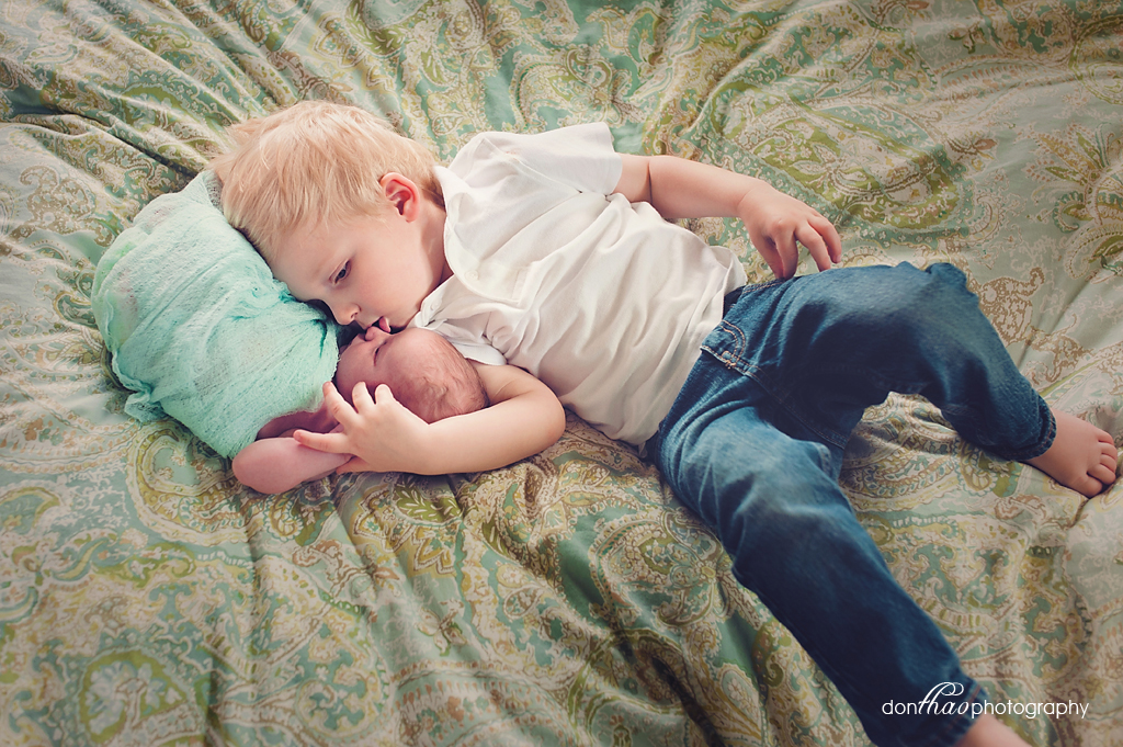 Hudsonville Michigan newborn photographer