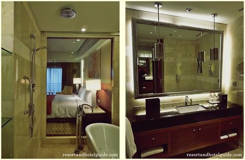 The Marriott Hotel Deluxe Room - Bathroom