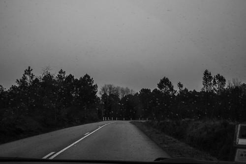 06-Un virage et de la pluie