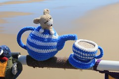 Saltburn by the Sea Yarnbombers 09-06-2015