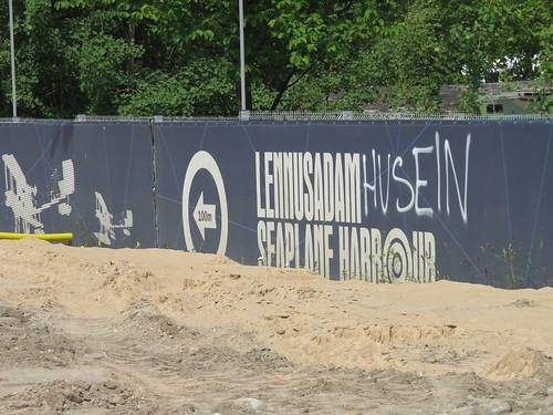 Lennusadam Husein (sic.)