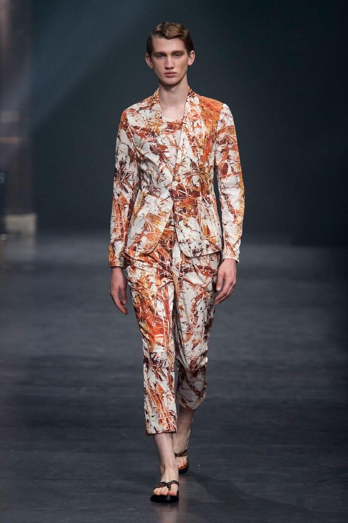 Eugen Ivanov3085_SS16 Paris Songzio(fashionising.com)