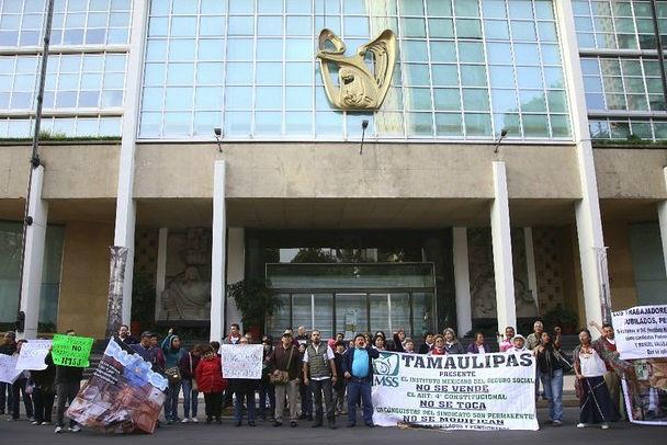 Formal prisión contra presuntos defraudadores del IMSS