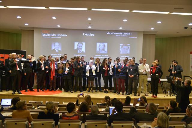 2016-11-23 - TEDxIssy-04 - Remerciements (19h36m32)