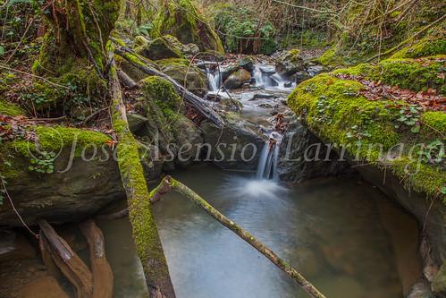 Agua , efecto seda #DePaseoConLarri #Flickr -3730