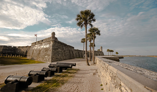 castillodesanmarcos sanagustine miamifl city castle staugustinefl blue seashore sea architecture outdoors travelling tourism palms park walking waterways