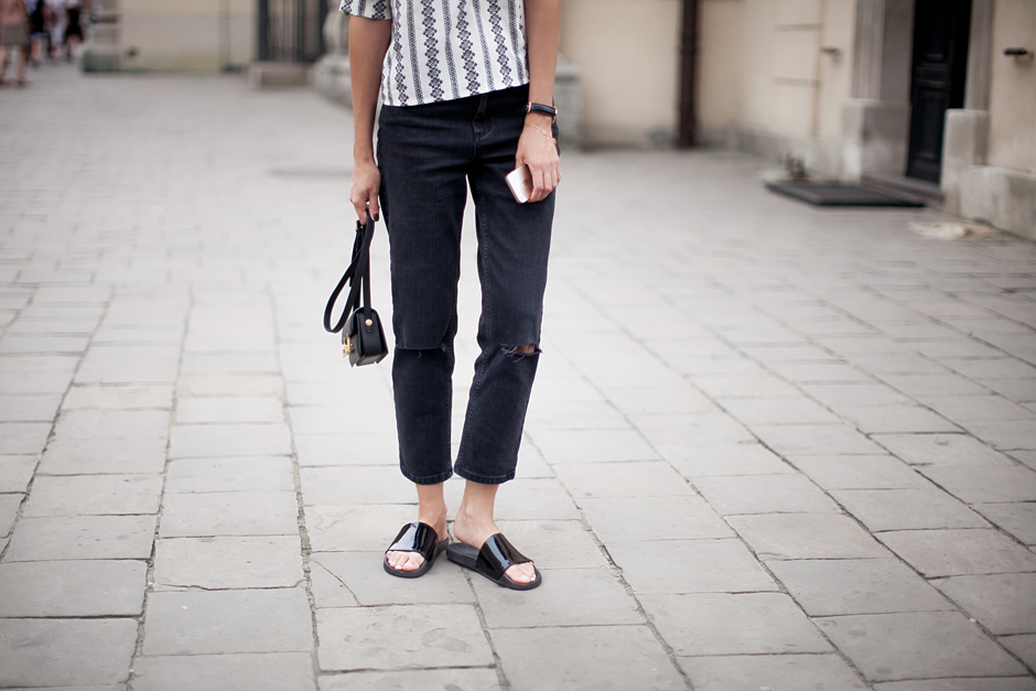 sliders-street-style-outfit-cool-laidback