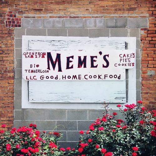 restaurant missouri memes bowlinggreen apostrophe punctuation handlettered paintedsign hipstamatic robustafilm jacklondonlens