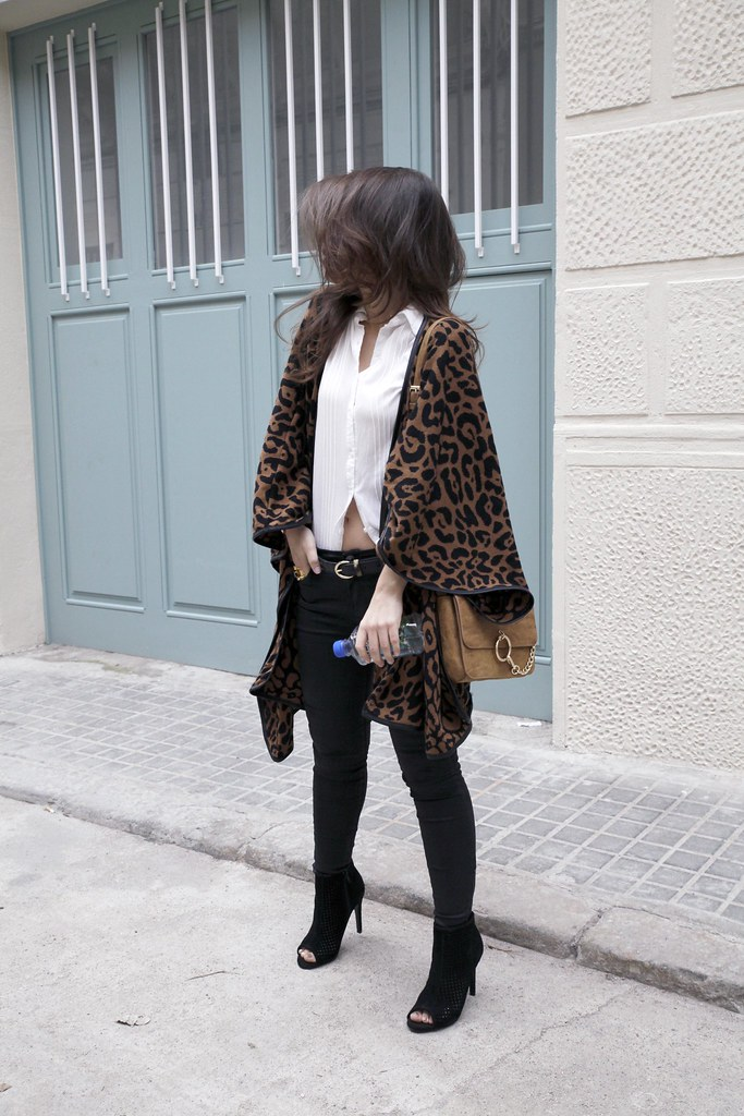 011_leopard_casual_look_with_ruga_theguestgirl_influencer_fashion_portugal_barcelona