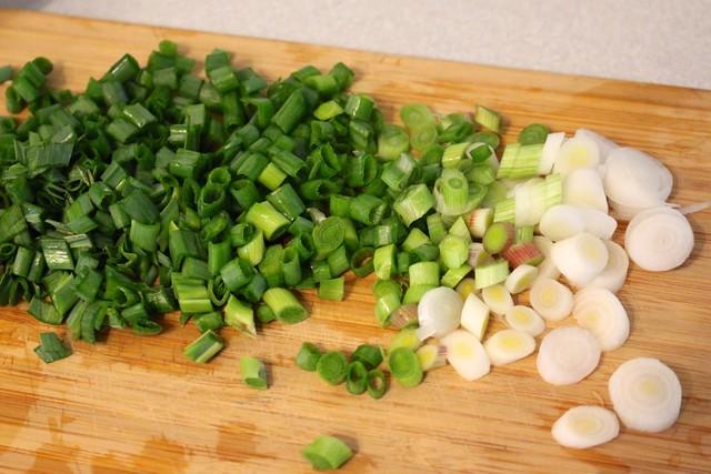 sliced-green-onions-green-garlic