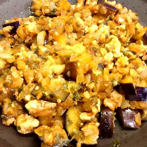 ナスとひき肉の味噌焼き!チーズをかけて2度美味しくいただきます