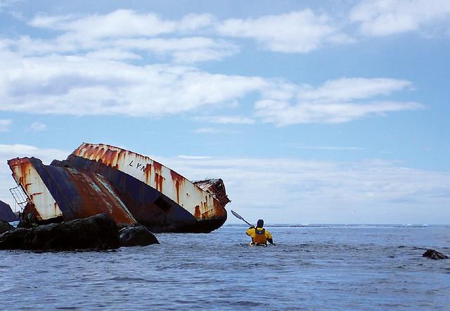Franco-paddling-over-terminal-moraine
