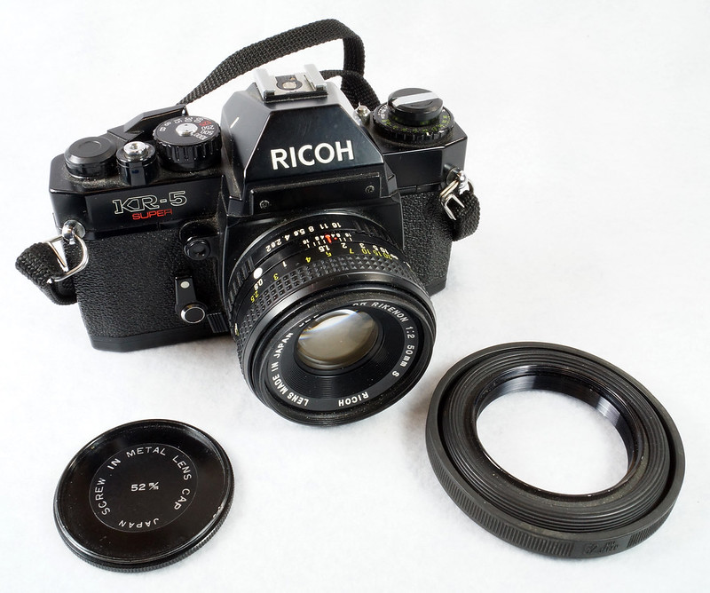 RD15023 Ricoh KR-5 SUPER 35mm SLR Film Camera XR Rikenon 50mm Lens, Sunpak Flash, Mustang Case DSC07457