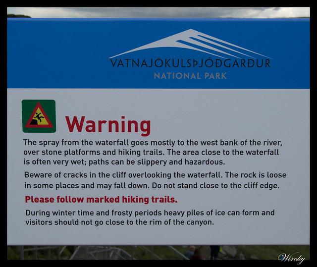 Letrero de peligro en Cascada Dettifoss