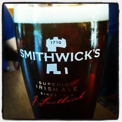 Smithwick's har jag nog inte druckit sedan den irländska rundresan på 1999. God! #tour2015