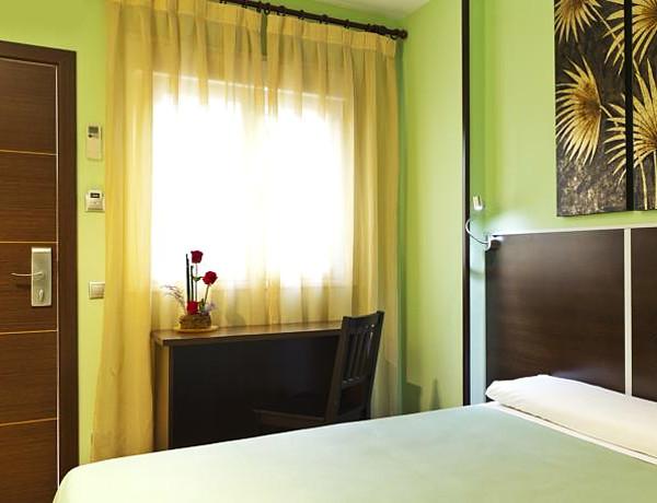 Hotel Avenida Barajas, un pelotazo de hotel para dormir en Barajas