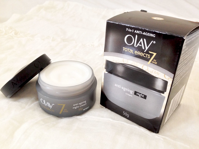 olay, olay total effects, night cream, olay total effects night cream, procter and gamble, p&g, safeguard, derma sense, body wash, facial wash, face wash, acne, acne prone, anti ageing, anti-ageing, burts bees, radiance, radiant, royal jelly, dkny, dkny myny, myny, sample room, sampleroomph
