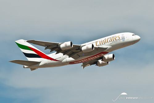Emirates Airbus A380-861 (A6-EOK)