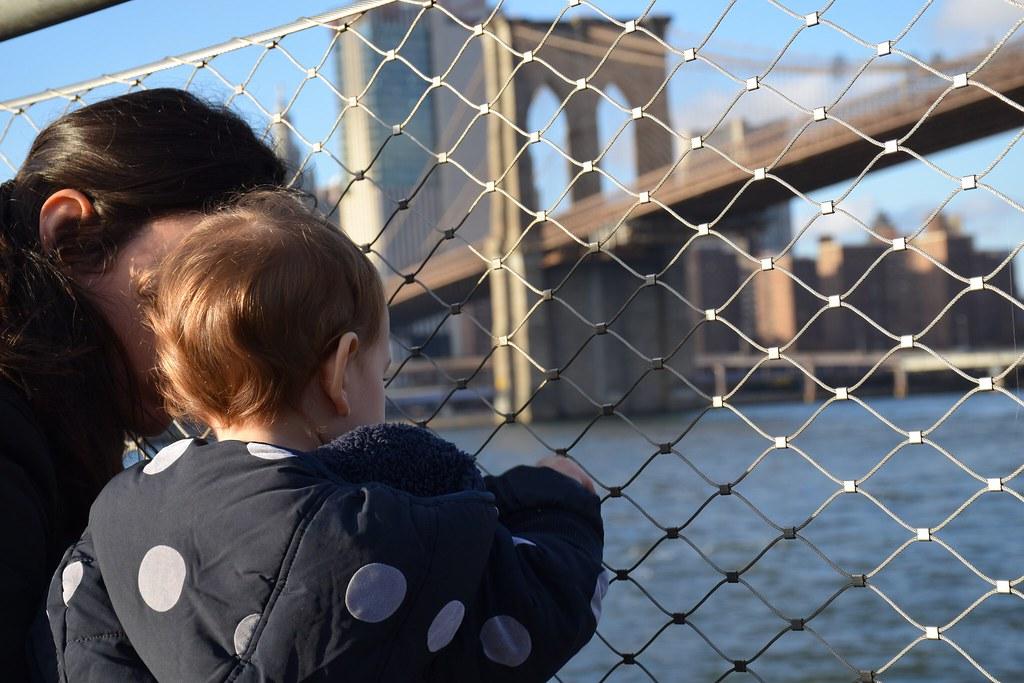 Viendo el puente de Brooklyn.