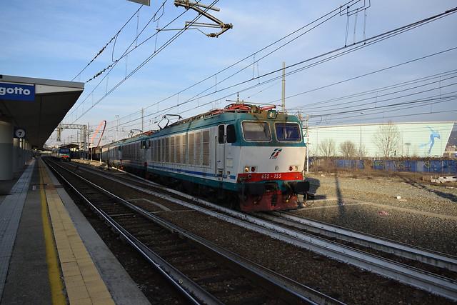 E652.155 + 2xE652 + E633 Mercitalia Rail TRA 50921 Torino Orbassano - Villanova in partenza a Torino Lingotto
