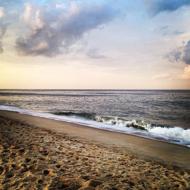 Craving this atmosphere. #fenwick #island #de #beach #sunset #waves #sky #sand