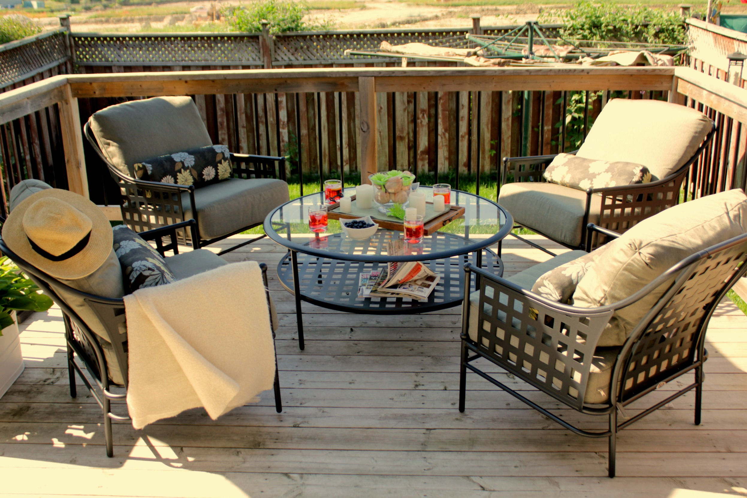 Hampton Bay Lynnfield patio set