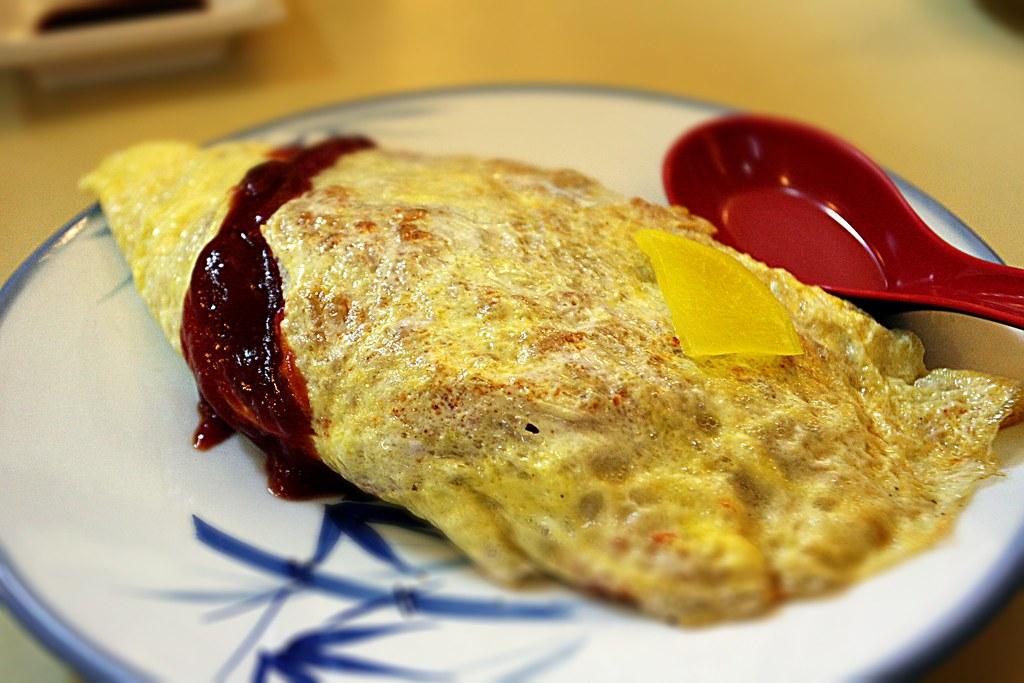 蛋包飯,小時後就特愛吃他們的蛋包飯~~尤其加上甜甜的番茄醬~