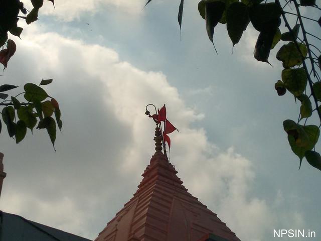 Main shikhar with half moon offer by mughal emperor Akbar on Prachin Hanuman Mandir