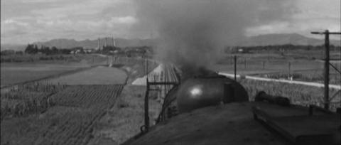 79−郡山市富久山町水穴付近から見た日東紡の工場と安達太良山