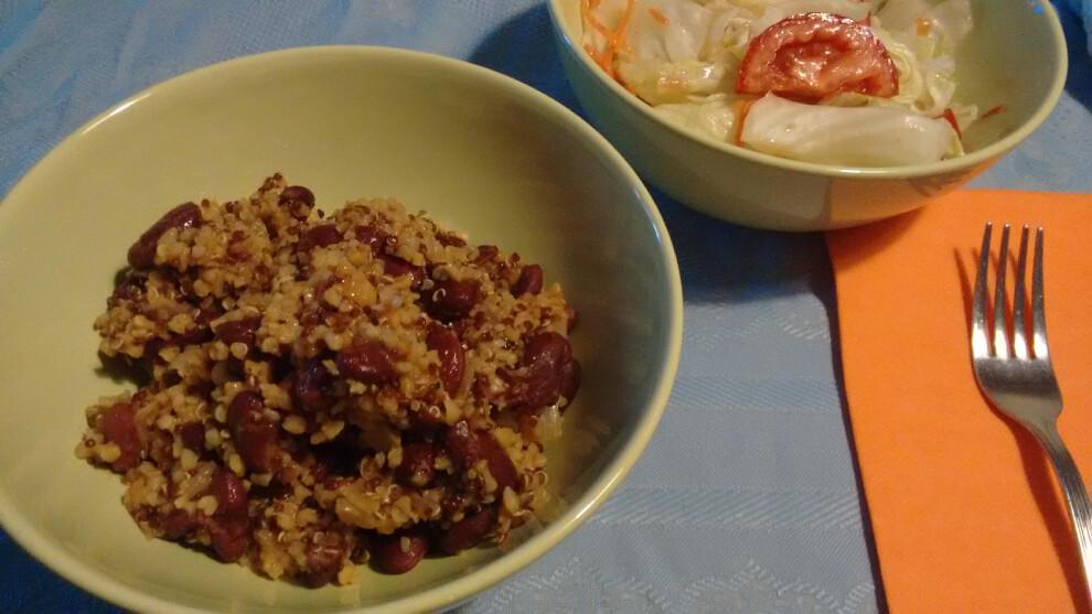 Quinoa picante con habichuelas moradas