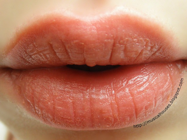 Jane Iredale Lipdrink Lipbalm Buff Swatch Lip