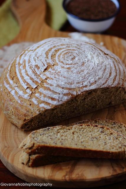 Pane di farina integrale con cruschello, germe di grano e semi di lino 8