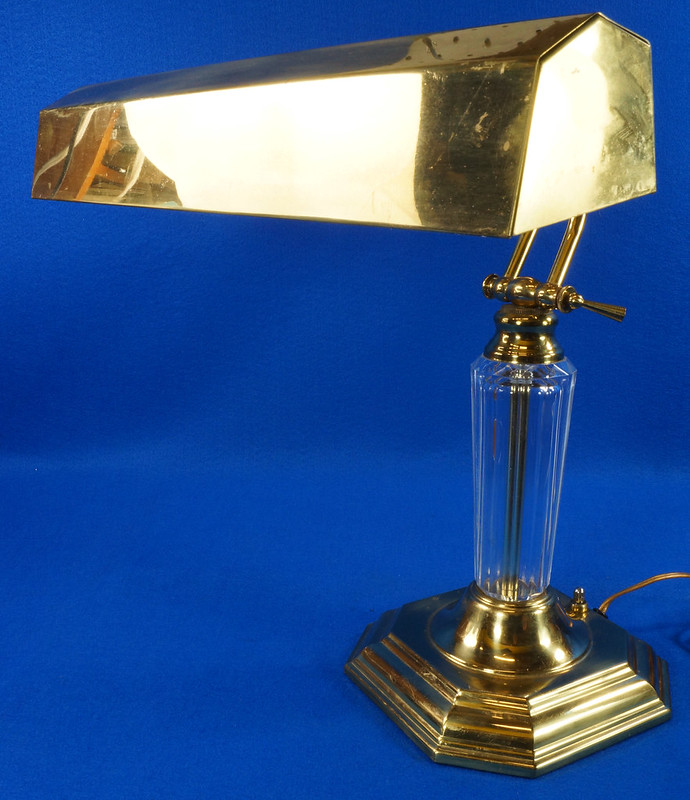 RD15252 Vintage Brass & Lucite Bankers Desk Piano Portable Lamp Light 3-Way Adjustable Arm DSC08738