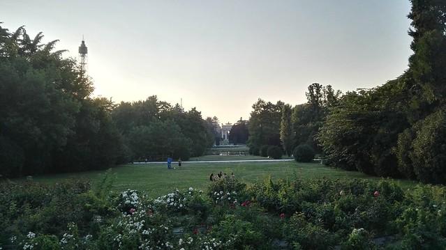 Parco Sempione mit dem Arco della Pace im Hintergrund