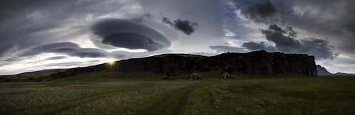 sunset panorama clouds iceland ruins climbing southeast ísland hnappavellir sportclimbing sólsetur öræfajökull öræfi klifur hnappar tóftir hádegishamar klifursvæði