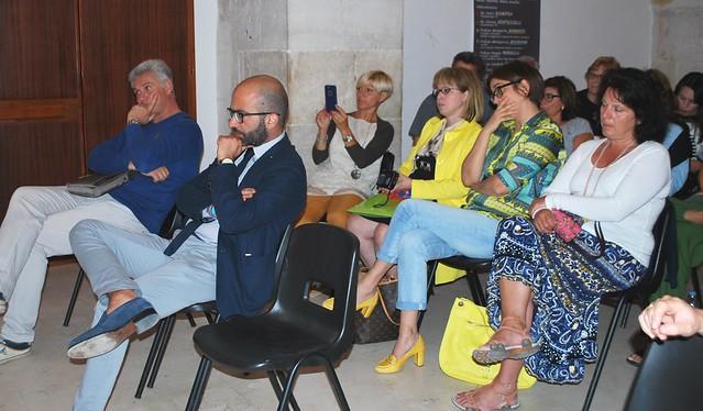 Rutigliano-La Buona Scuola- Presenti il parlamentare barese del Pd Dario Ginefra, i dirigenti scolastici Prof.ssa Margherita Manghisi e Prof.ssa Angela  (3)